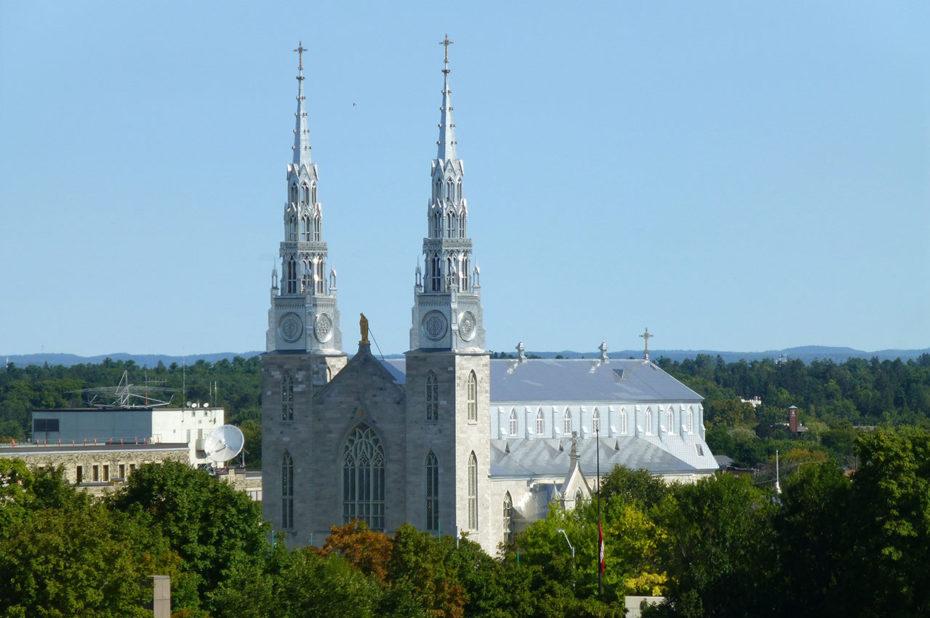 La basilique-cathédrale Notre-Dame d'Ottawa