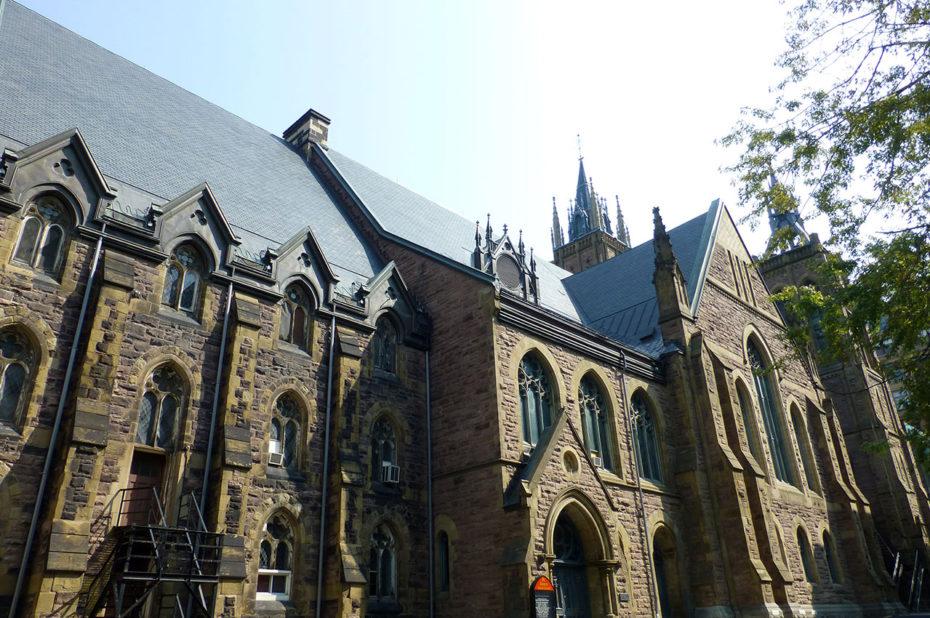 Façade latérale de l'église unie Saint-James