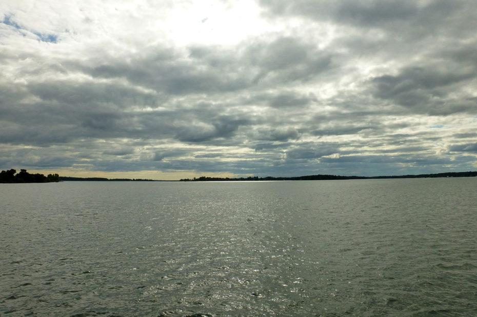 L'immensité du fleuve Saint-Laurent dans les Mille-Îles