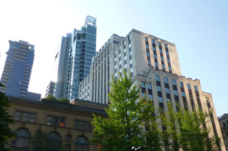 Des immeubles de forme et de hauteur diverses