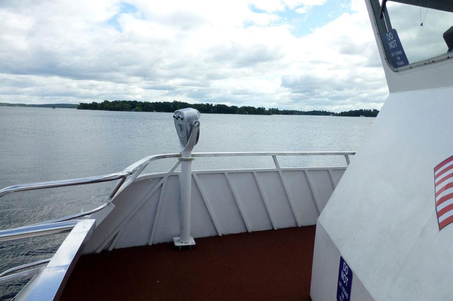 Sur le bateau pour la croisière dans les Mille-Îles
