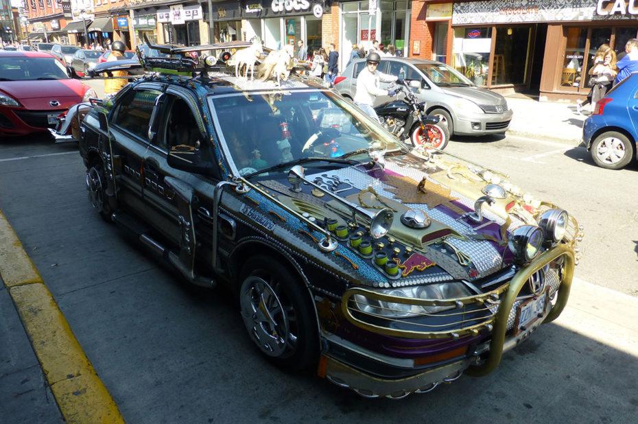 Des voitures décorées de manière très personnelle