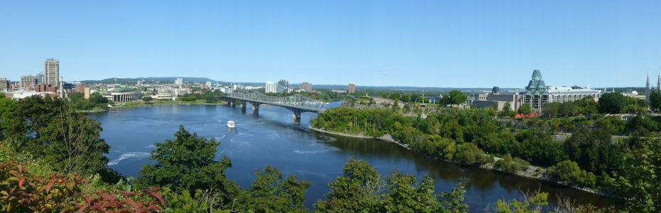 Vue sur Ottawa et la rivière des Outaouais