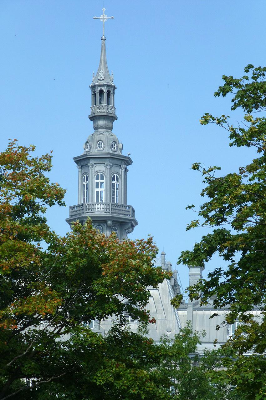 Un des clochers du Séminaire de Québec