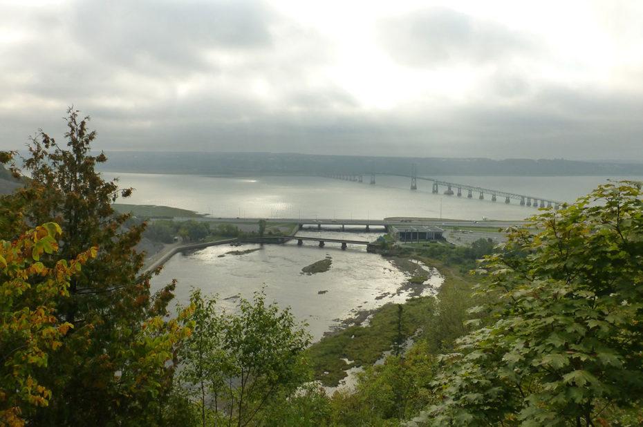 Panorama à l'aube depuis la chute Montmorency