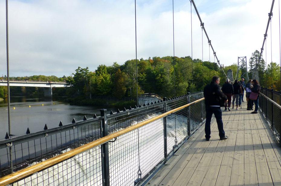 Sur le pont suspendu de la chute Montmorency