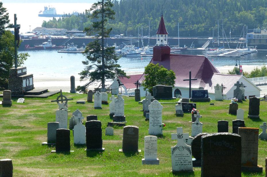 Le cimetière et la chapelle de Tadoussac, dite chapelle des Indiens
