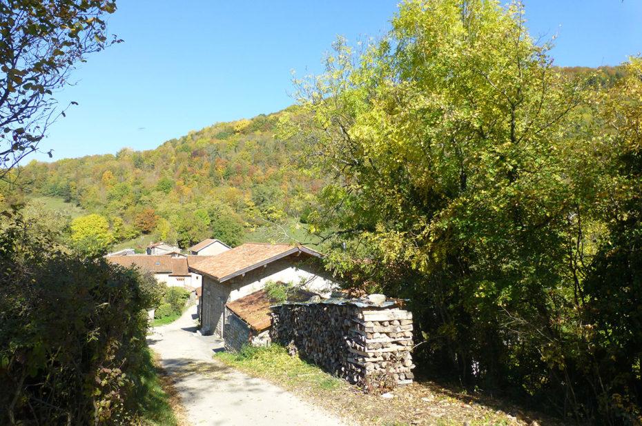 Petit hameau sur les hauteurs d'Ambérieu-en-Bugey