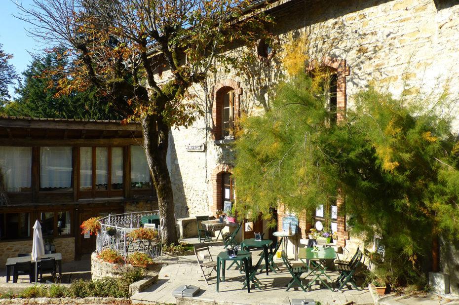 Terrasse de café au hameau de Brey de Vent