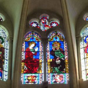 Vitraux situés au-dessus du chœur