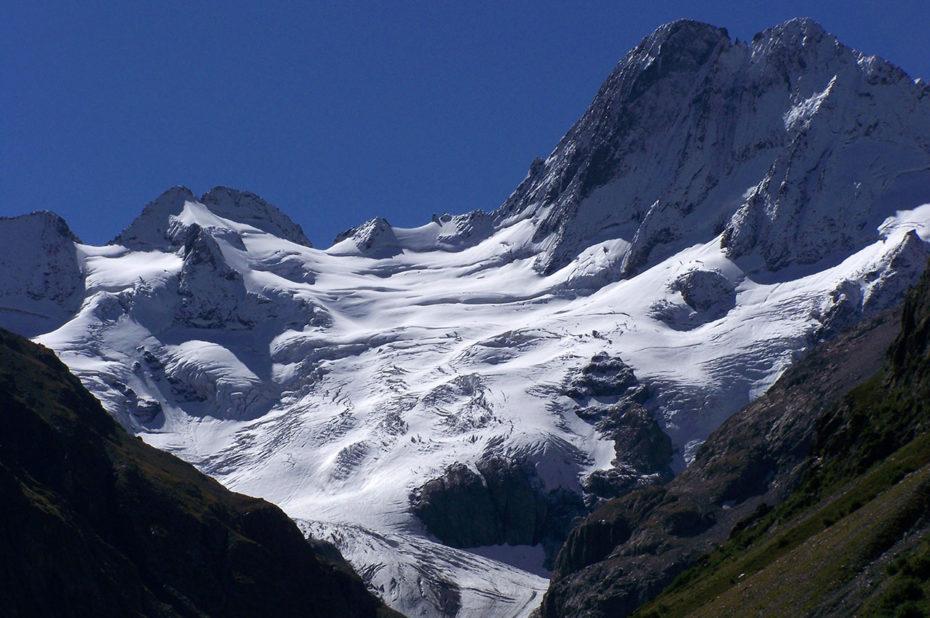 Les Bans, la Pointe de la Pilatte et le glacier