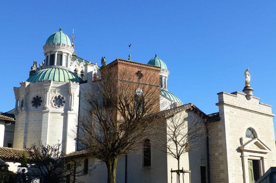 La basilique d'Ars a été construite à partir de 1862