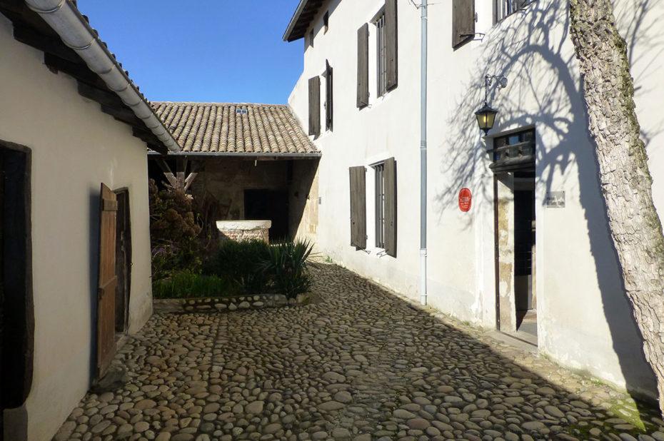 L'entrée de la maison du Saint-Curé d'Ars