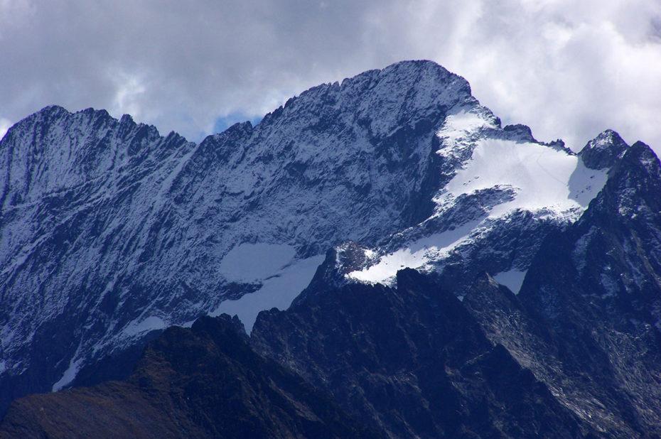 Le mauvais temps arrive sur la montagne