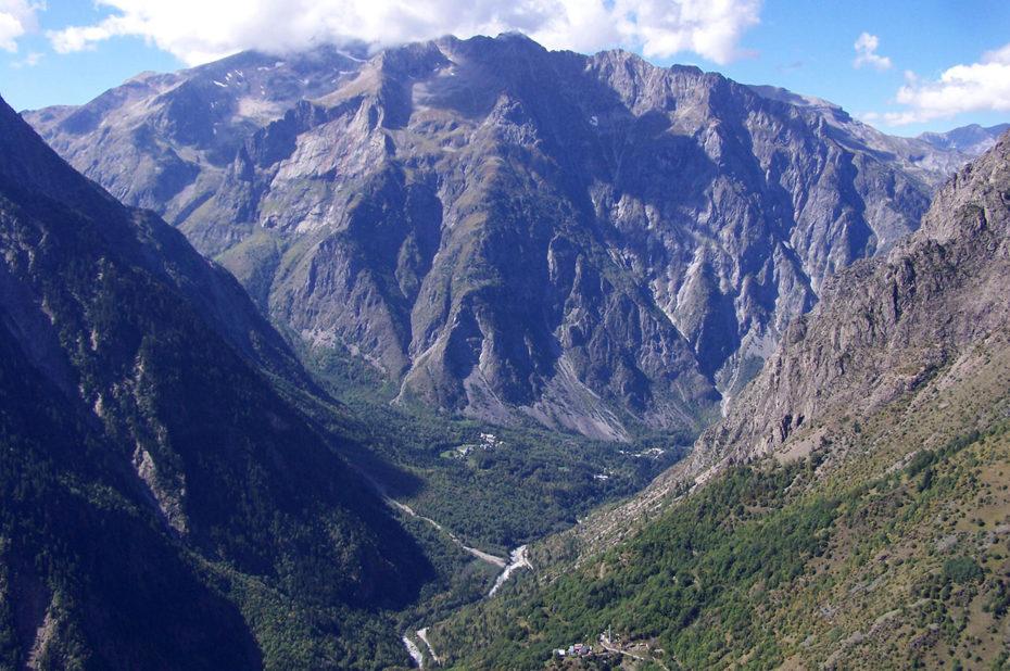 La vallée vue depuis la randonnée des Perrons