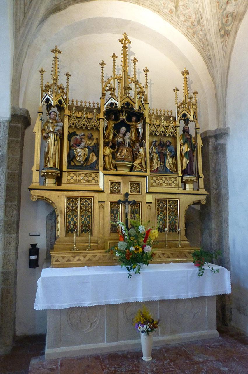 Autel et tabernacle doré