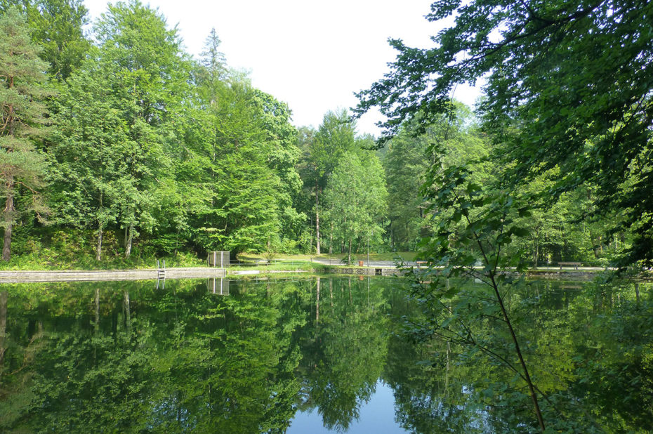 Les berges du lac Weissensee, propres et bien aménagées