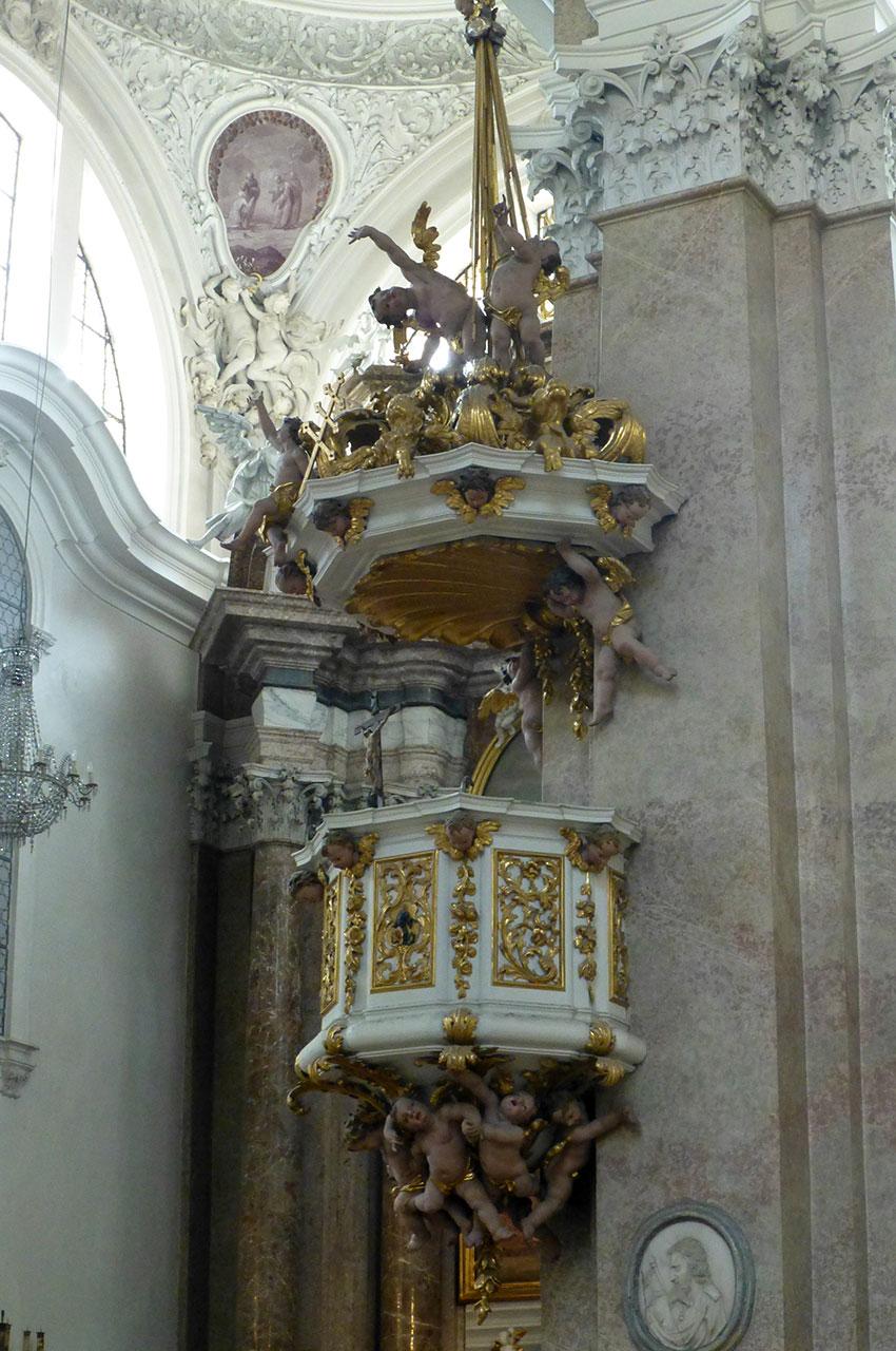 Chaire de la basilique Saint-Magne