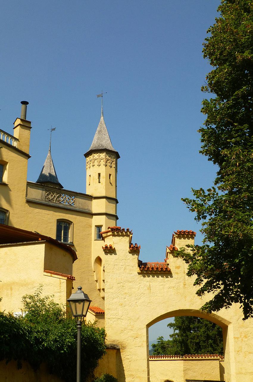 Le château de Hohenschwangau a des airs de forteresse médiévale