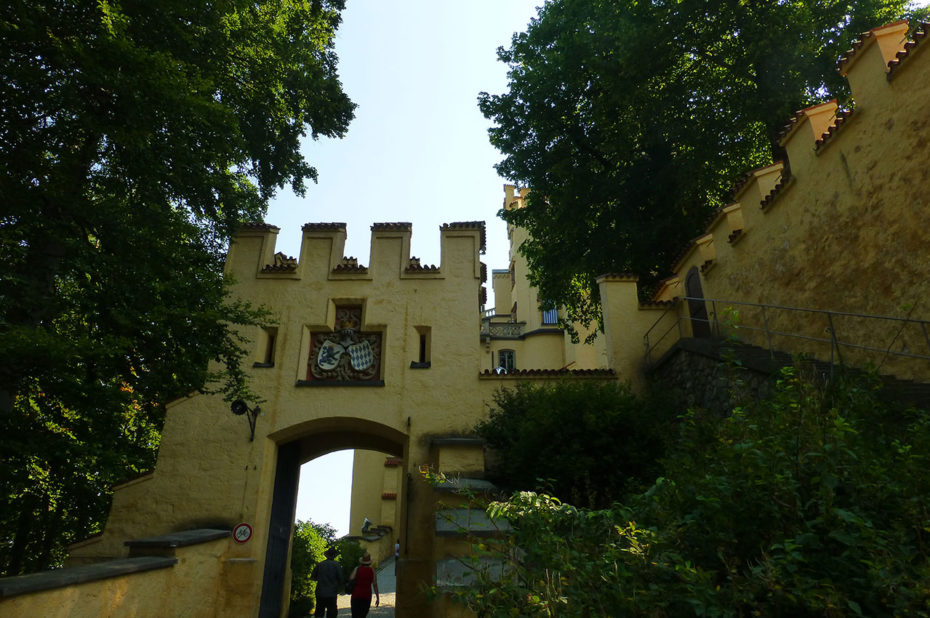 Le chemin piéton pour accéder au château