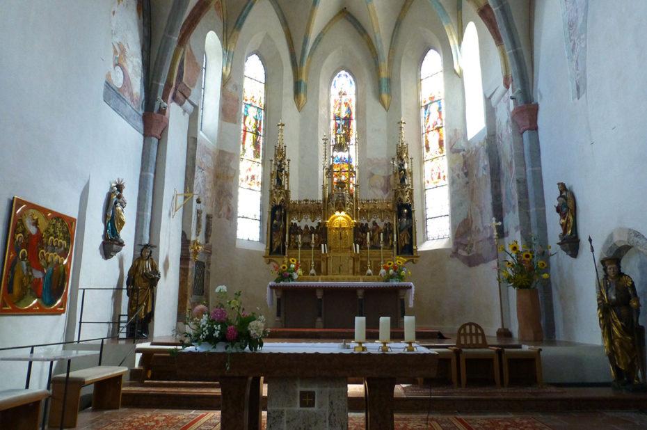 Le chœur de l'église Saint-Hippolyte