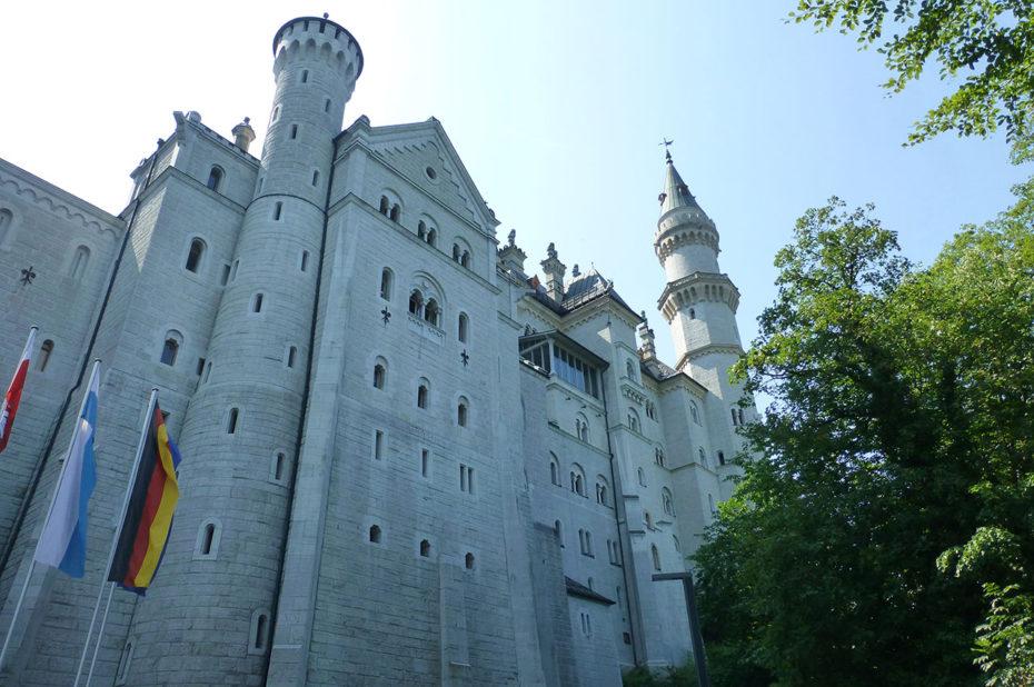 La hauteur du château de Neuschwanstein est de 65 m