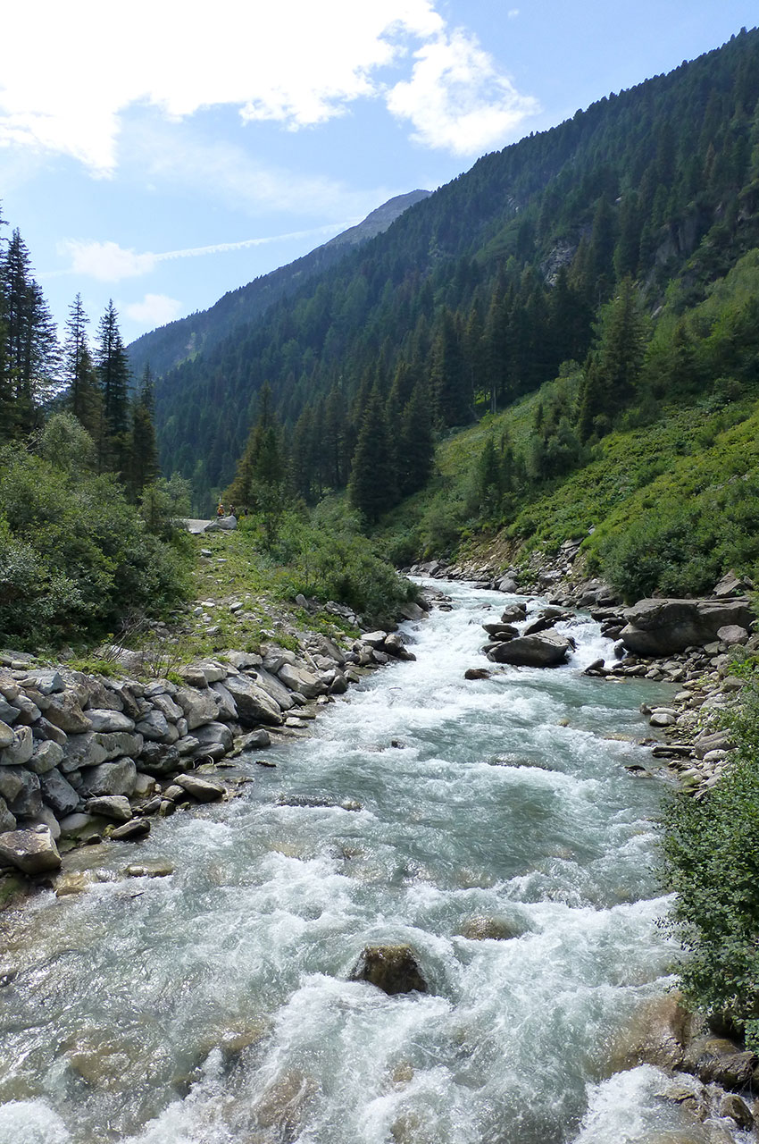 La rivière Krimmler Ache se jette dans la Salzach
