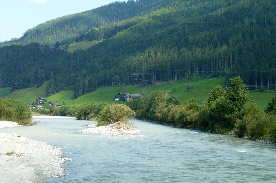 La rivière Salzach est un affluent de l'Inn