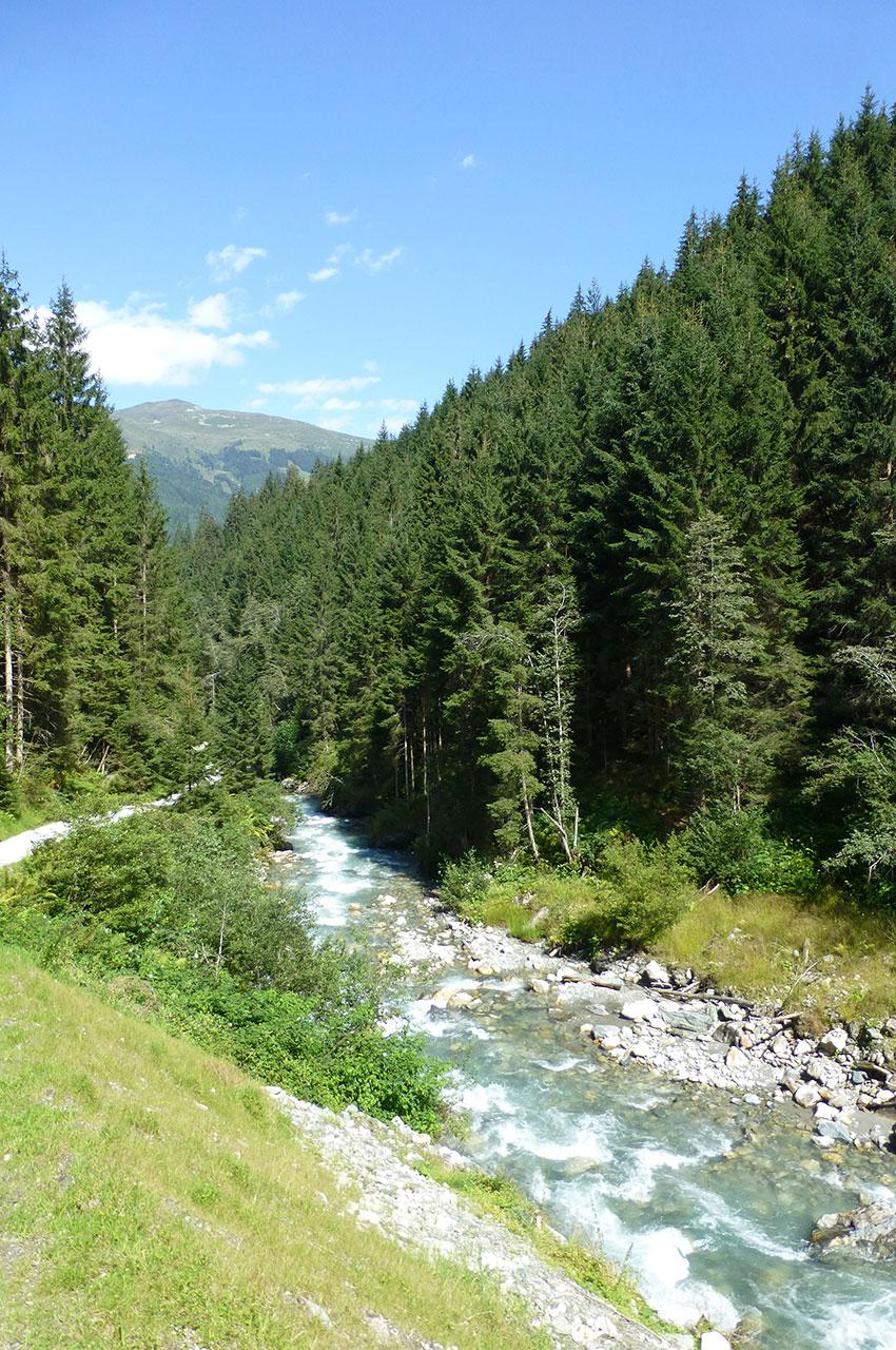 Le ruisseau qui descend du lac Karsee pour se jeter dans la rivière Salzach