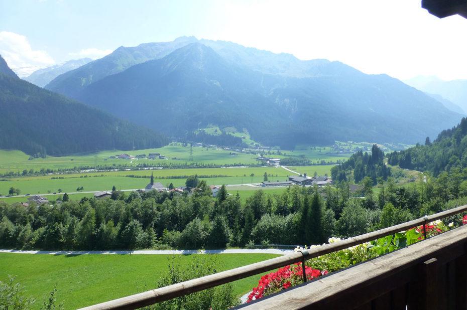 Vue de la vallée depuis la maison d'hôtes Ferienwohnung Birkleiten