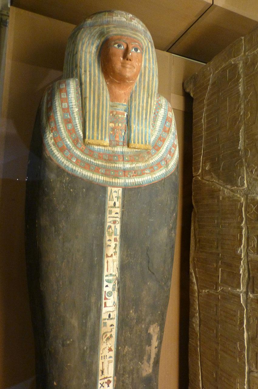 Cercueil en bois peint de Nesiamun