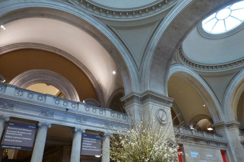 Détail de l'architecture du MET Museum, section greco-romaine