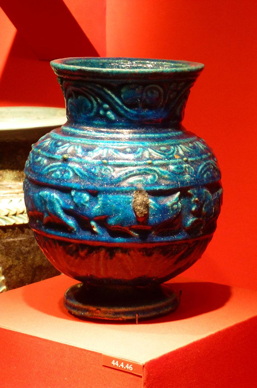 Petit pot décoré datant de la période romaine
