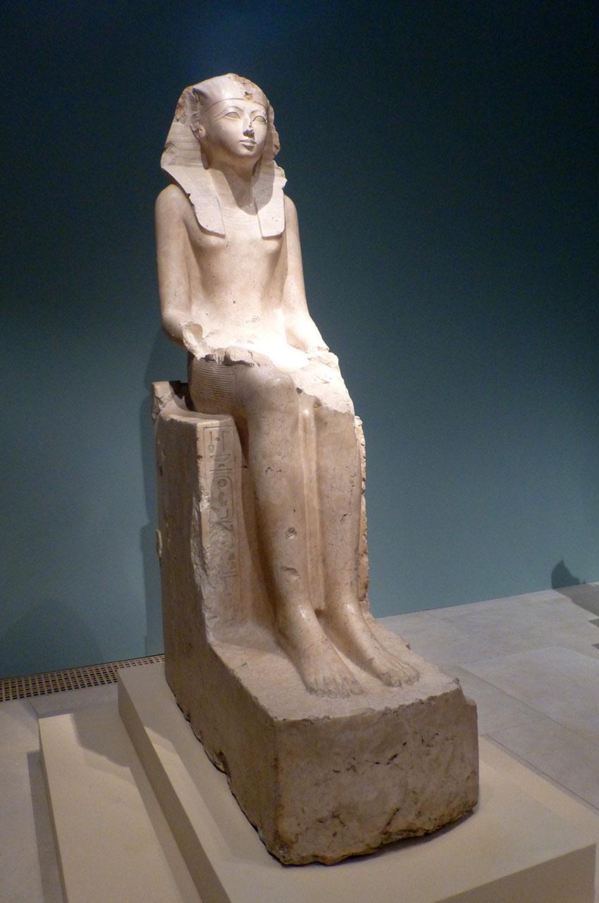 Statue assise de Hatchepsout (18e dynastie)