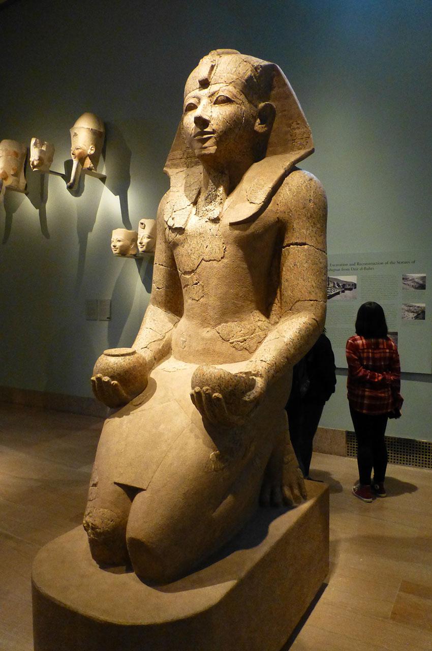 Statue du pharaon Hatchepsout, fille de Thoutmôsis Ier