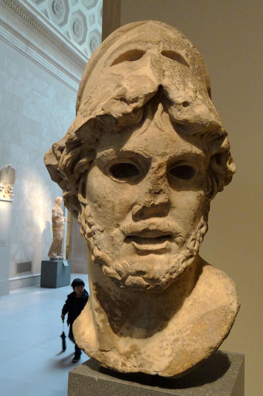 Tête de marbre d'un général grec