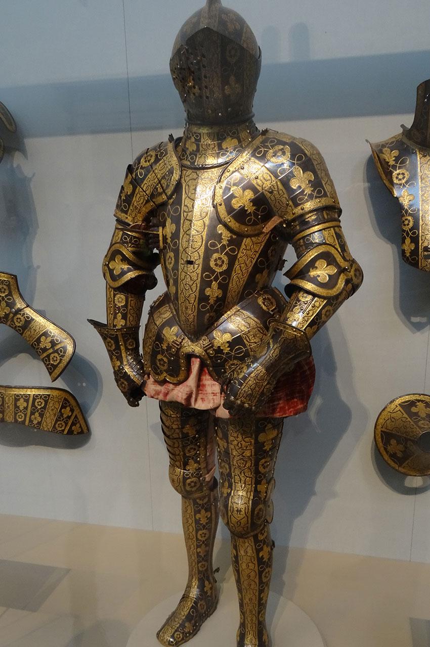 Armure garniture de George Clifford, troisième comte de Cumberland