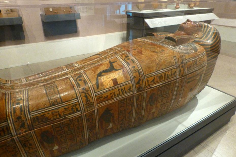 Cercueil anthropomorphe du serviteur de la grande place, Teti