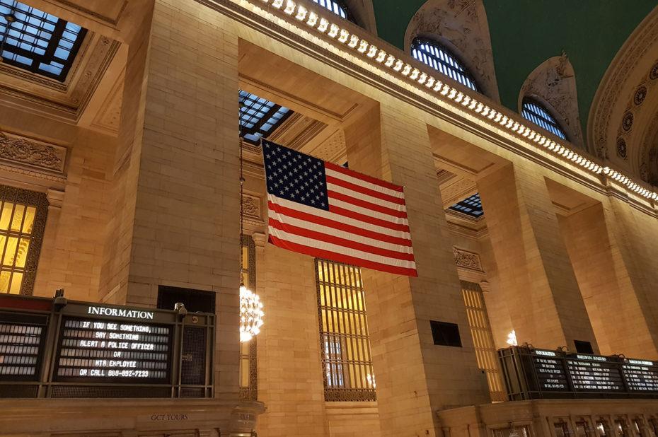 Drapeau américain dans Grand Central Terminal