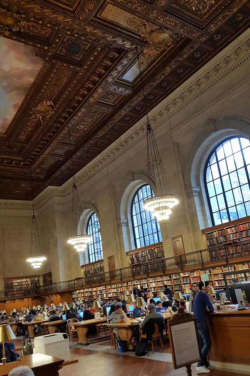 Fréquentation importante de la première bibliothèque de New-York