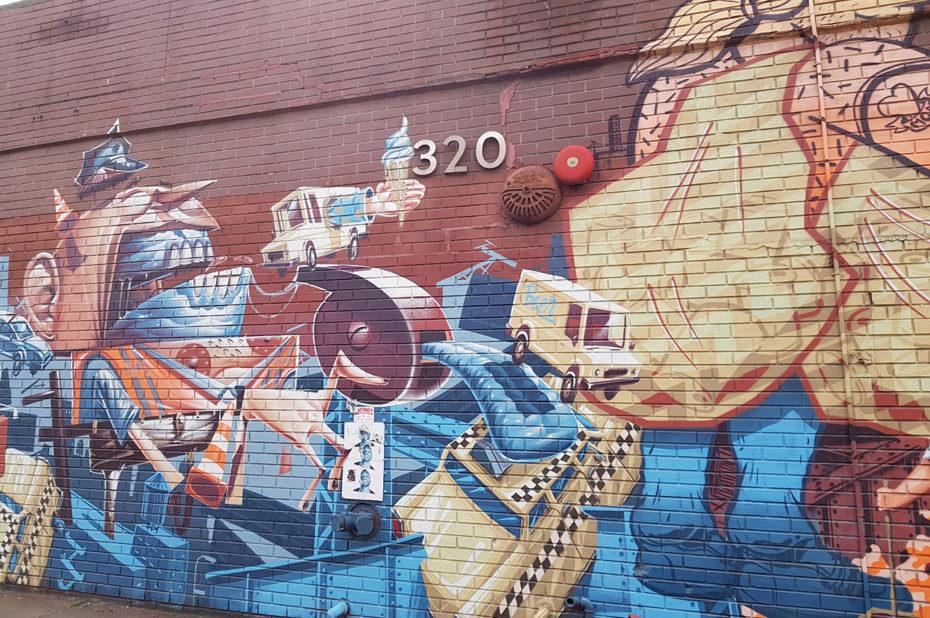 Street art ésotérique au numéro 320
