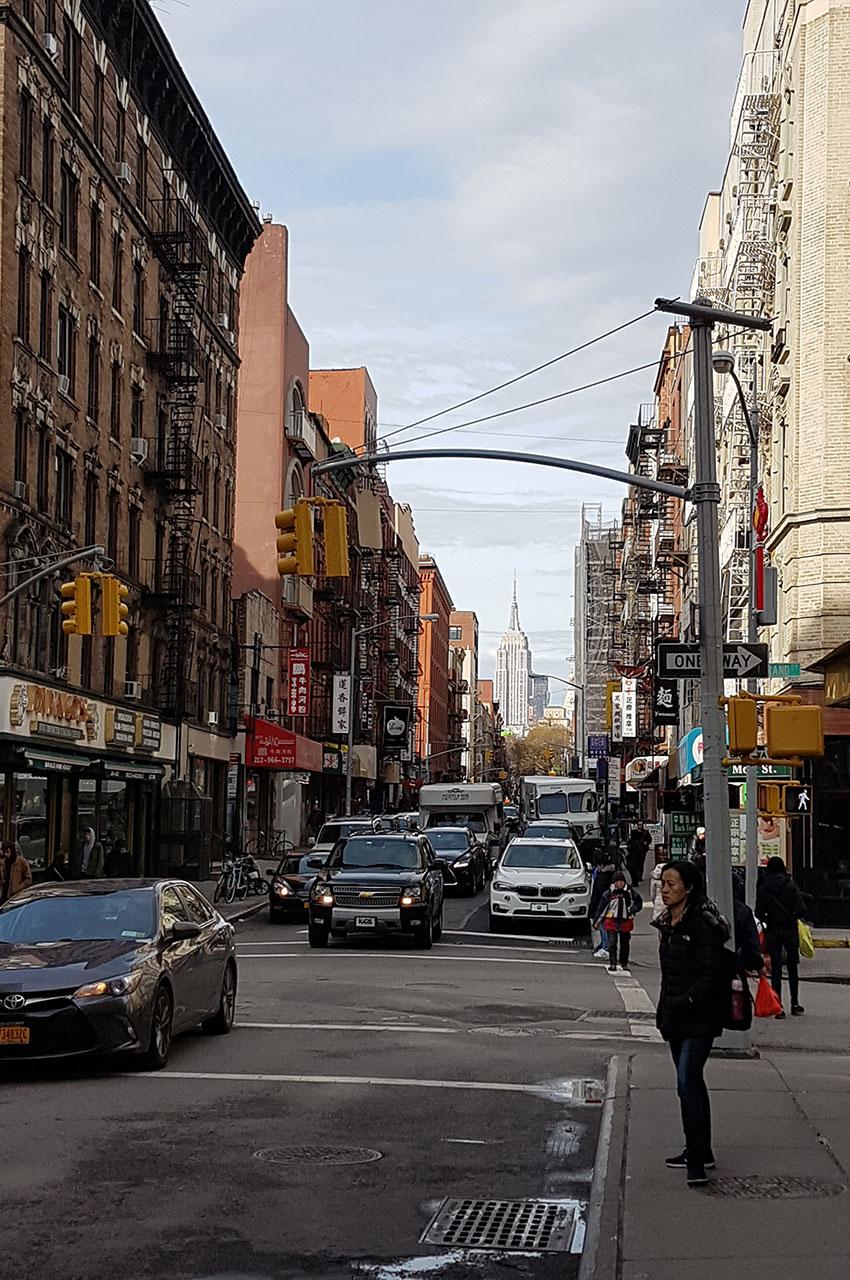 Depuis Chinatown, on peut apercevoir l'Empire State Building