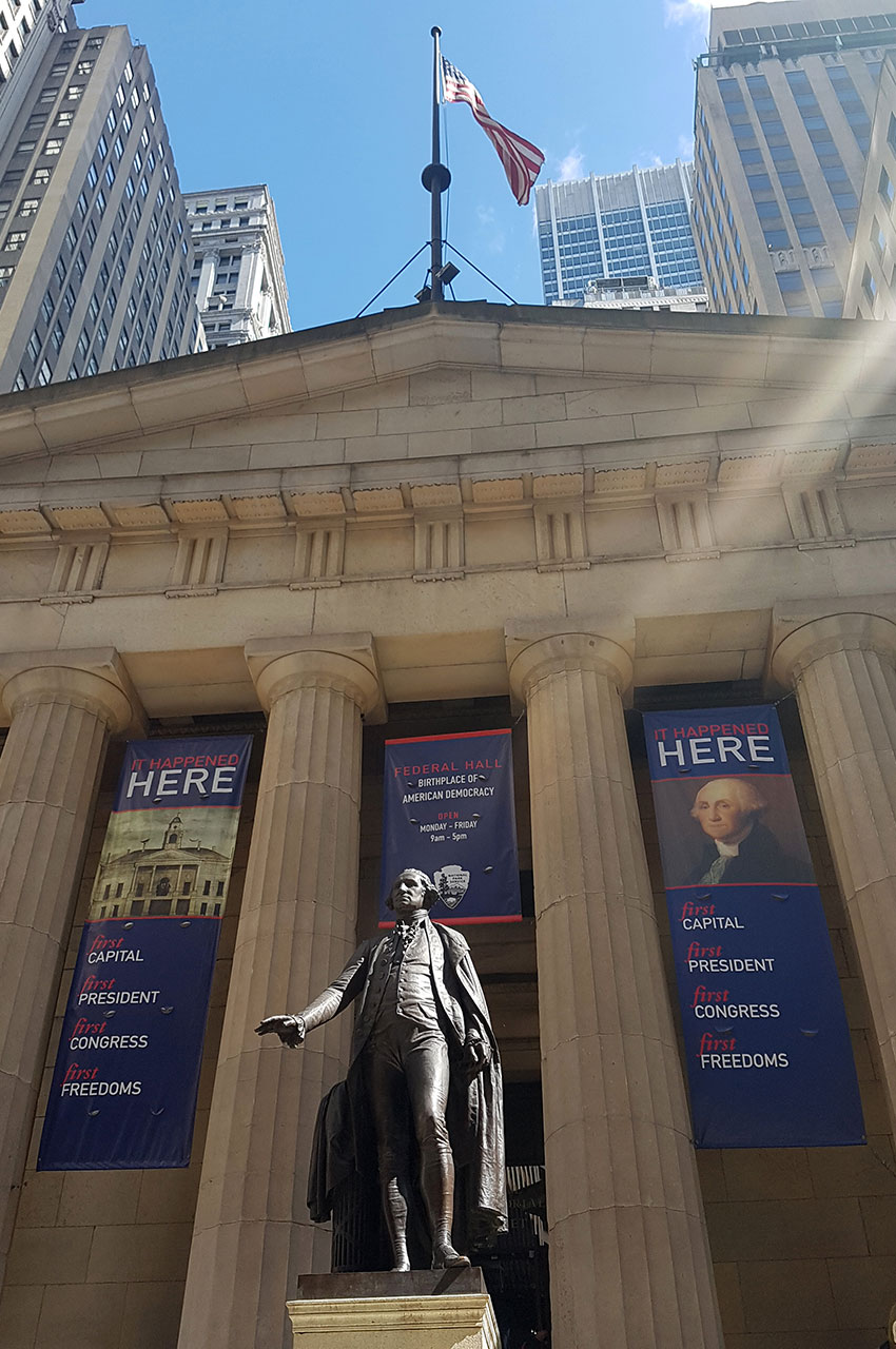 Federal Hall et la statue de George Washington