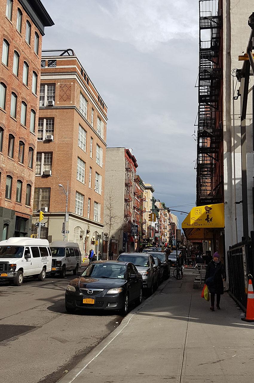 Hester Street, une rue calme au cœur de Chinatown