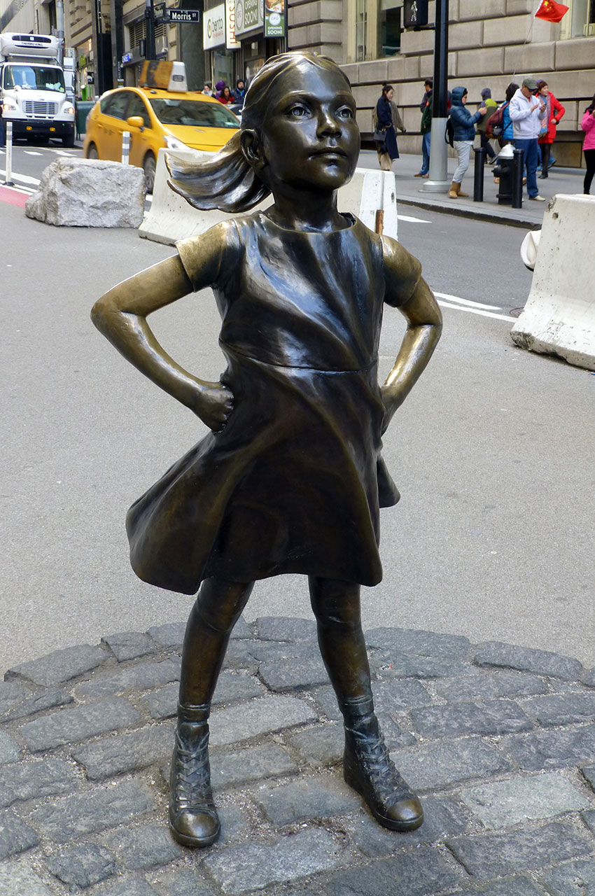 """Statue """"La petite fille sans peur"""""""