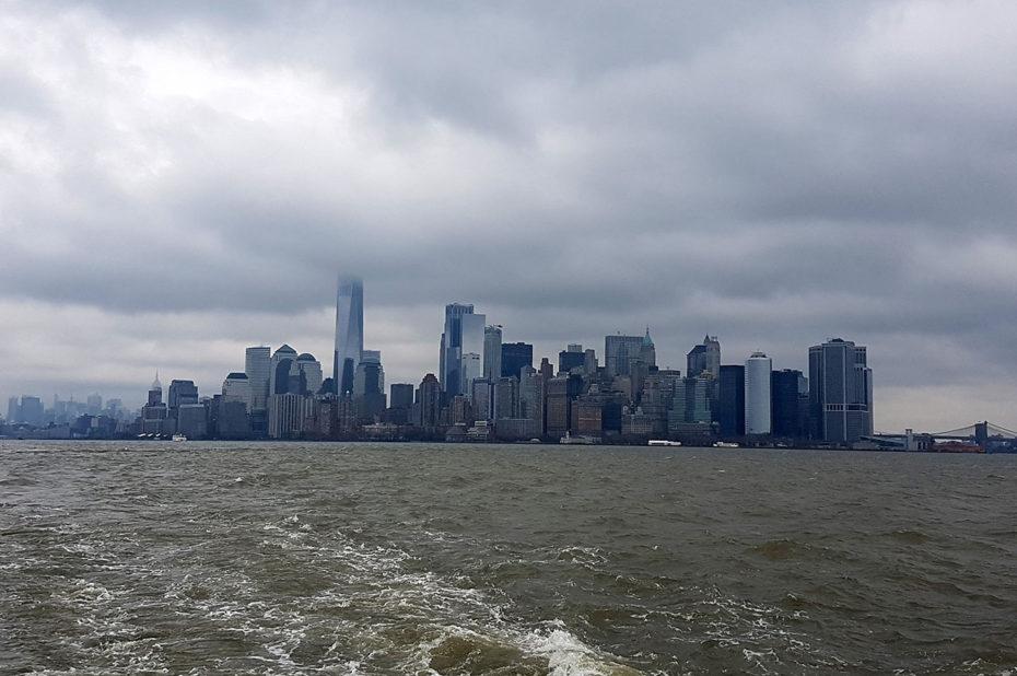 L'île de Manhattan sous les nuages