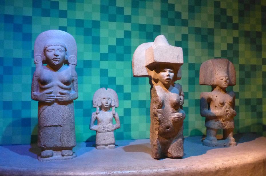 Statues Huaxtèques, peuple autochtone du Mexique