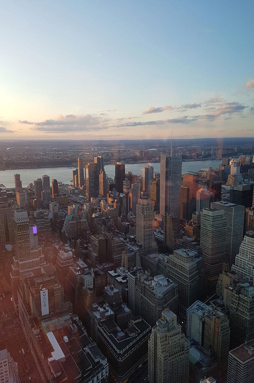 Vue sur la ville depuis le 86e étage