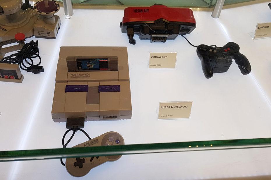 La célèbre Super Nintendo exposée au Nintendo Store