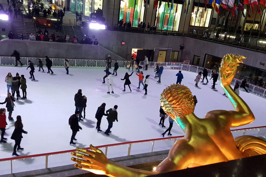 La patinoire du Rockefeller Center, de nuit